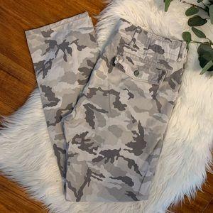 Levi's Chino Camo Pants 34x32